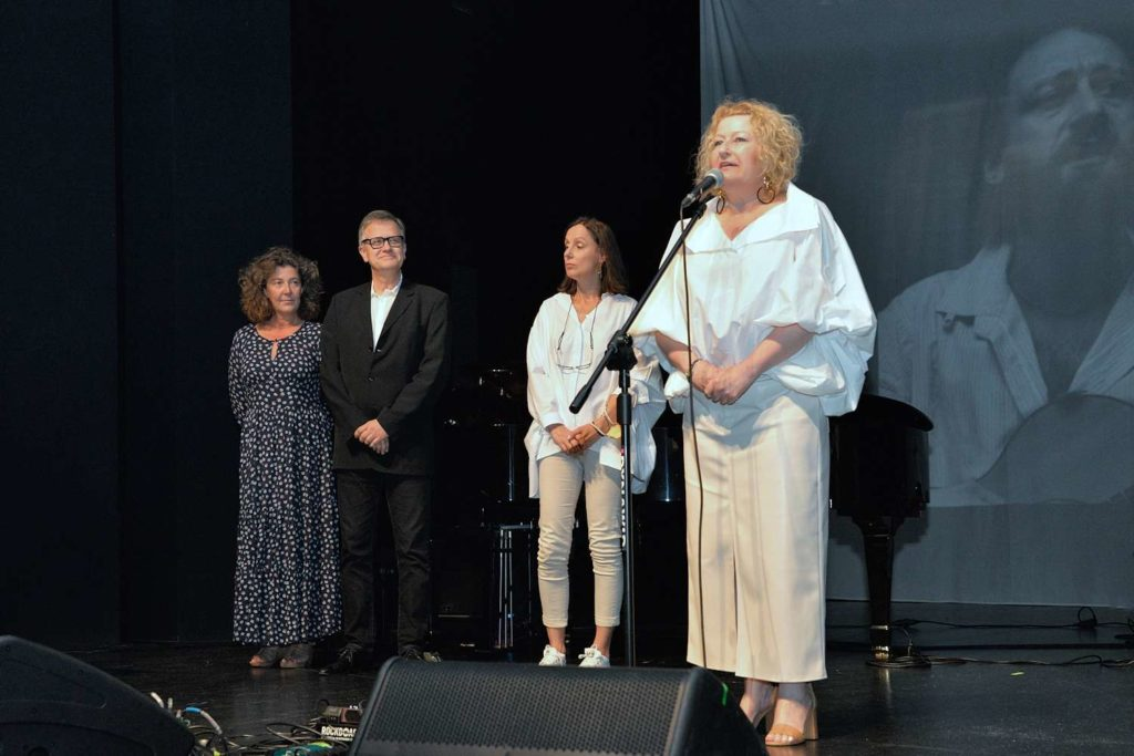 Jury w składzie Magda Kawczyńska,Paweł Paluch, Agnieszka Gintrowska i Beata Molak - Bychawska